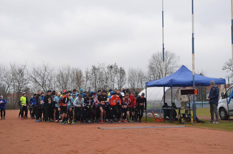 (anrim)W niedzielę, 13 marca o godz. 10.00 z stadionu przy ul. Wyszyńskiego w Gorzowie wybiegło 155 biegaczy. To był już szósty bieg w Biegowym Grand