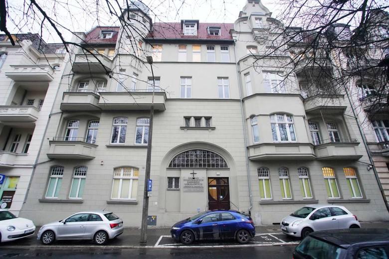 Spółka ZKZL zarządza  ok. 12 tysiącami mieszkań komunalnych i socjalnych oraz ok. 3 tysiącami lokali użytkowych, które są własnością Poznania