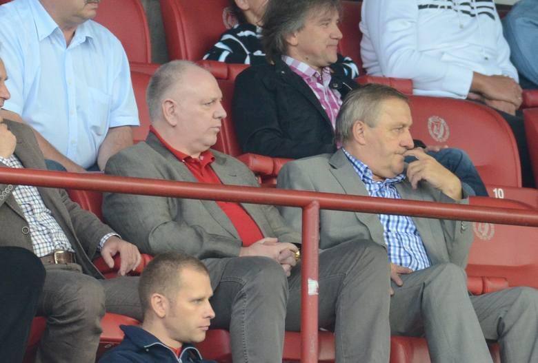 Sylwester Cacek i Edward Potok na trybunach widzewskiego stadionu