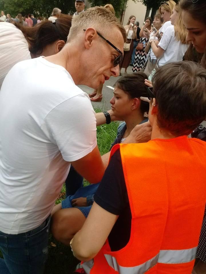 Marsz Równości w Białymstoku. Policja zatrzymała 20 osób. Są też osoby poszkodowane [ZDJĘCIA]