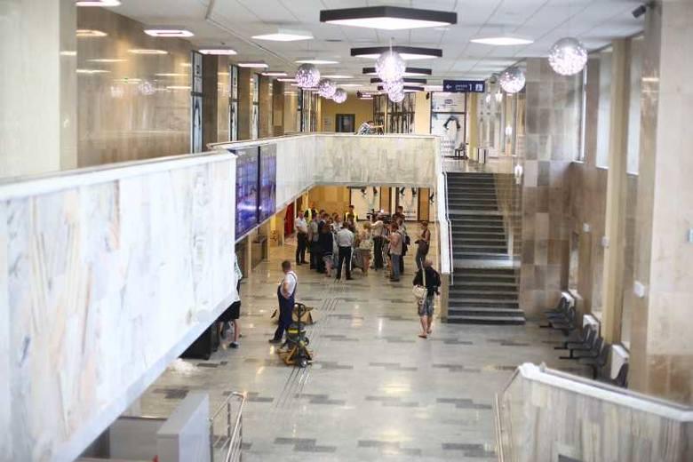 [VIDEO] W środę otworzą dworzec PKP w Radomiu. Zobacz, jak wygląda po remoncie (zdjęcia)