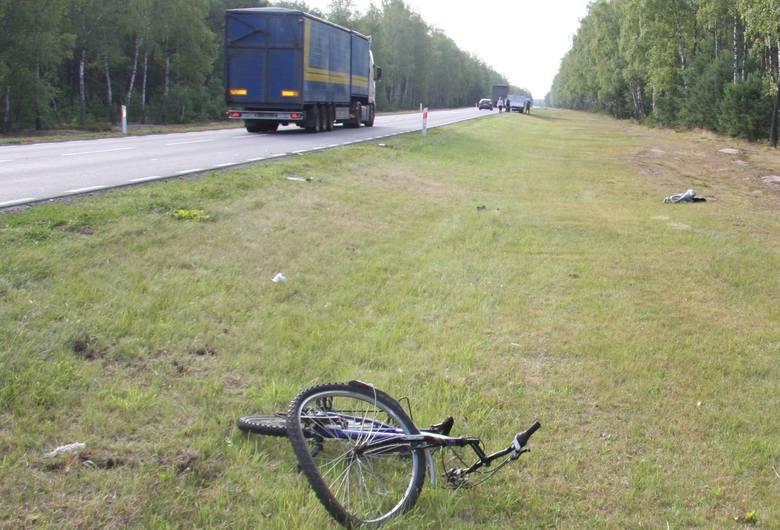 Grądy. Wypadek drogowy na K 60, 16.07.2019. Ciężarówką potrącił rowerzystę