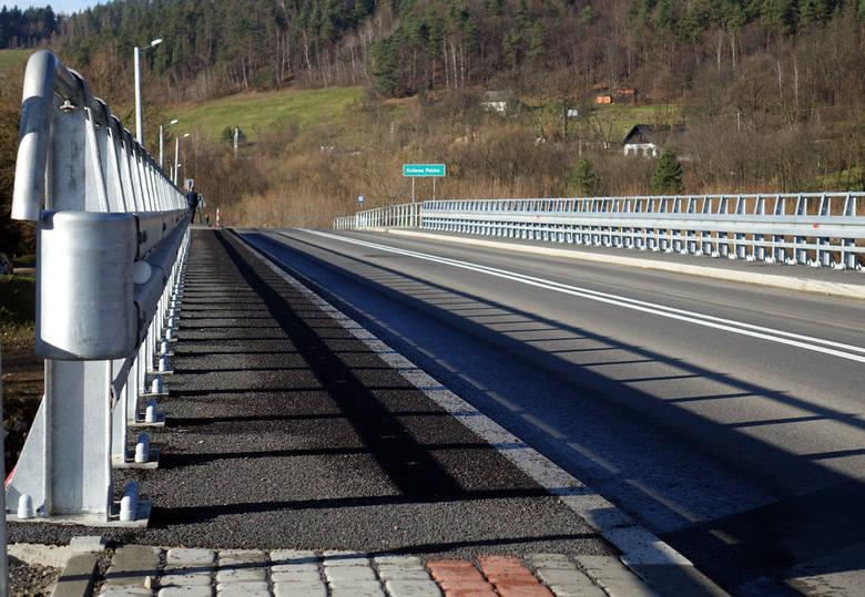 Kamionka Wielka. Nowiutka droga kosztowała prawie dwa miliony złotych