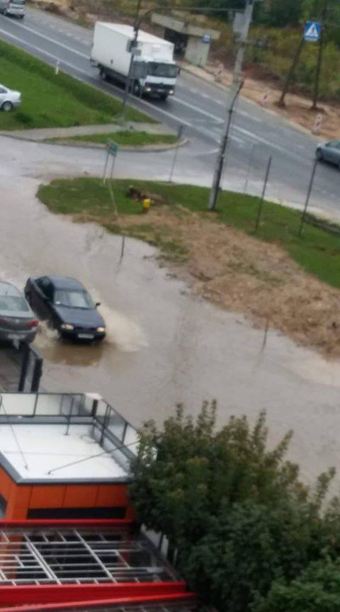 Ulica Ściegiennego zamieniła się w morze, Bilcza też pod wodą! Wszystko przez budowę obwodnicy? (WIDEO)