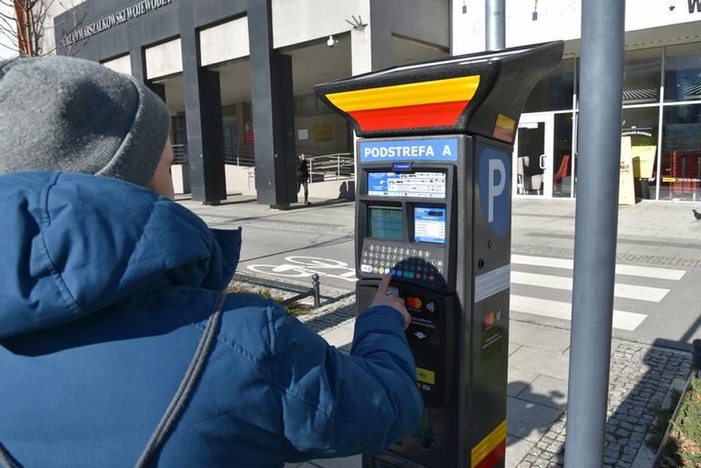 Z niemal półtoramiesięcznym  opóźnieniem - 14 kwietnia zamiast 2 marca - wejdzie w życie uchwała Rady Miejskiej w Łodzi o rozszerzeniu Strefy Płatnego