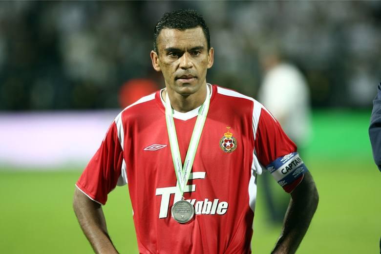 Do Wisły przychodził już jako bardzo doświadczony zawodnik. Wielu sądziło, że w Polsce otrzymał wysoki kontrakt i będzie chciał spokojnie dograć do końca
