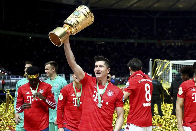 Polacy za granicą. Polscy piłkarze bardzo chętnie wyjeżdżają za granicę, a kilku z nich osiągnęło nawet duży sukces, jakim jest mistrzostwo kraju! Kto