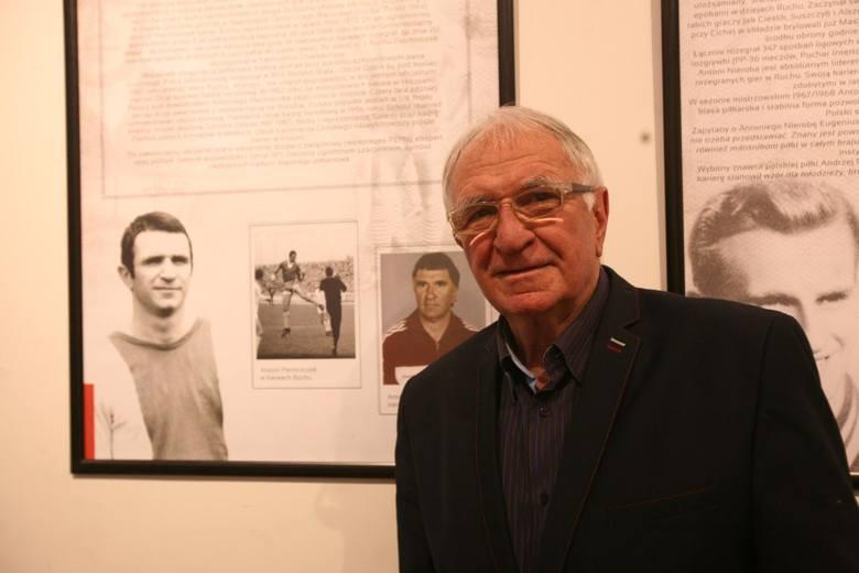 Antoni PiechniczekWywalczył brąz na mistrzostwach świata w 1982 roku,  ale drugie podejście do pracy z kadrą (1996-1997) już tak udane nie było. Piechniczek