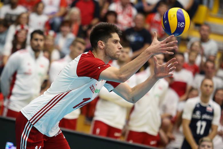 Szybko i bez problemów reprezentacja Polski uporała się z Czarnogórą. Zobacz, jak wygrana 3:0 Biało-Czerwonych wyglądała na zdjęciach.