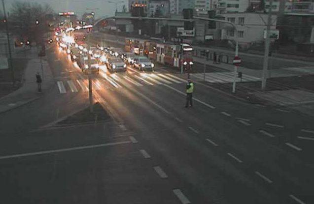 Jak sygnalizują internauci, na skrzyżowaniu ulicy Łęczyckiej i Fordońskiej nie działa sygnalizacja świetlna. Tworzą się gigantyczne korki. Na miejscu