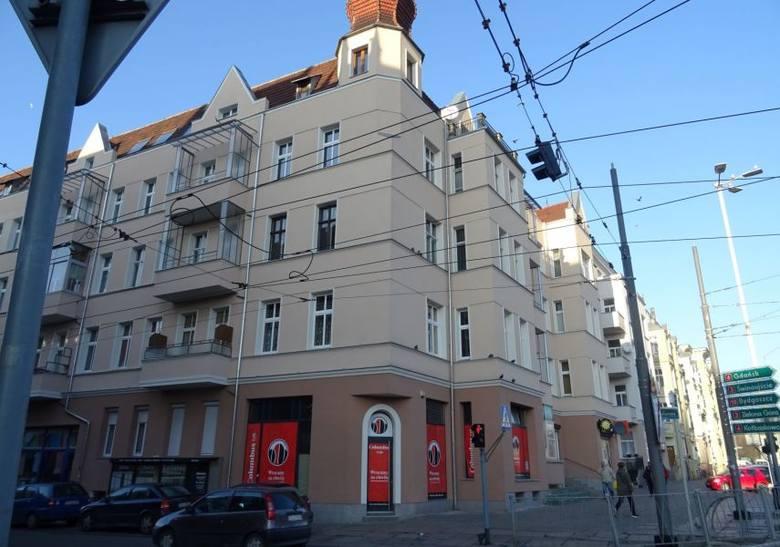 Śródmieście, TurzynCena wywoławcza do przetargu - 410 000 zł Powierzchnia (m2): 136,65m2Ilość pomieszczeń: powyżej 4Lokal mieszkalny położony na II