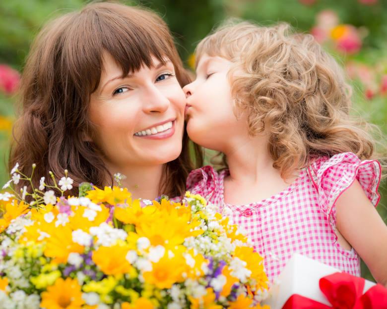 Trudne macierzyństwo też potrafi dać dziecku wielką miłość