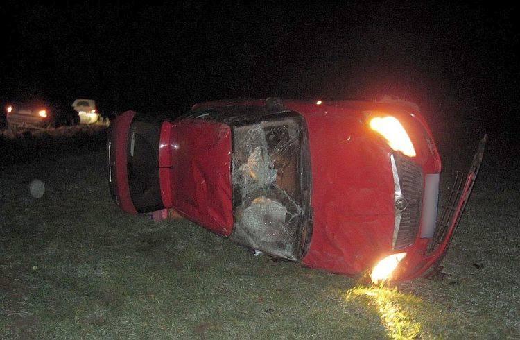 Wypadek i dachowanie skody miały miejsce wczoraj po godzinie 19