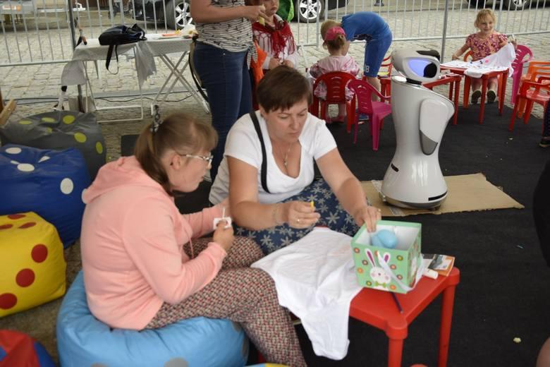 Piknik z okazji Dni Otwartych Funduszy Europejskich w skierniewickim Rynku [ZDJECIA]