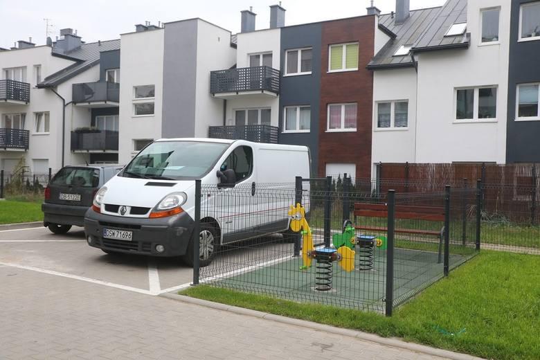 To nie żart. We Wrocławiu powstał najmniejszy plac zabaw na świecie