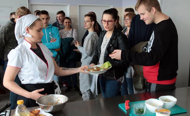 Dziś w Ośrodku Szkolno-Wychowawczym nr 2. w Grudziądzu gimnazjaliści i ósmoklasiści mogli zapoznać się z możliwościami kształcenia  oraz gamą specjalności