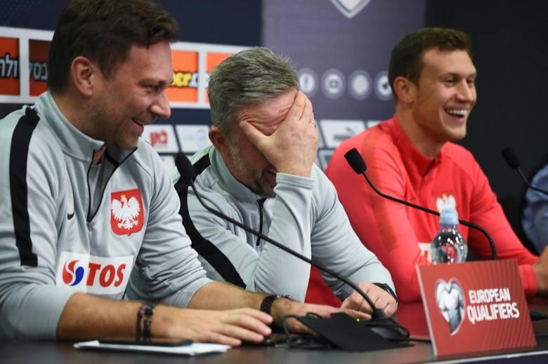O dobry humor uczestników konferencji prasowej zadbał tłumacz, który kilka razy mylił się i zamiast z polskiego na hebrajski tłumaczył na... język polski.