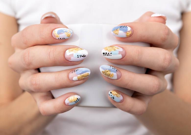 paznokcie wiosna 2021 paznokcie na wiosnę kolory wzory zdobienia inspiracje na wiosenne paznokcie