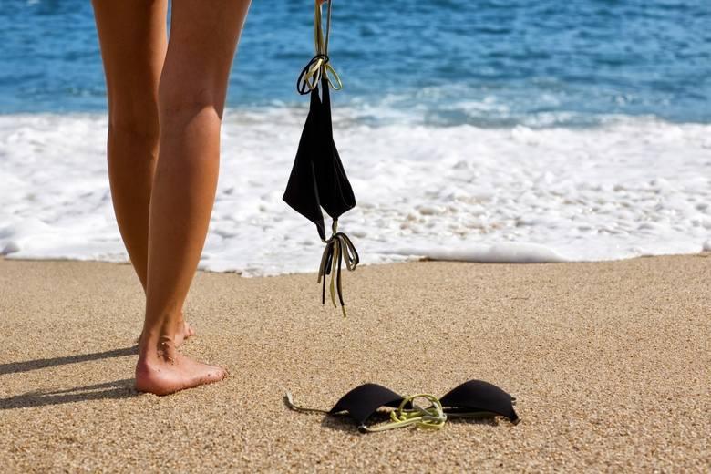 Gdzie się wolno kąpać i plażować nago? Lista plaż dla nudystów w woj. śląskim.Plaże nudystów w woj. śląskim: Interesuje Cię plaża nudystów? Zobacz listę