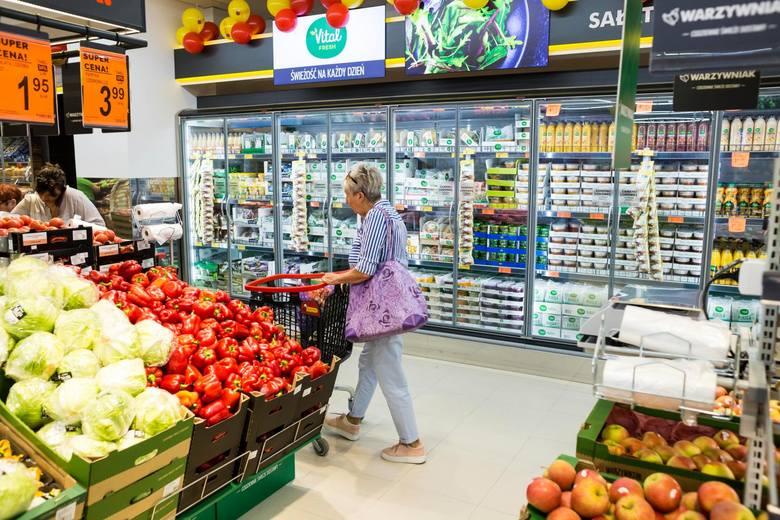 Do 51 proc. wzrosła liczba Polaków negatywnie oceniających zakaz handlu, który rozszerzono od początku roku. To o 5 proc. więcej, niż w poprzednim badaniu