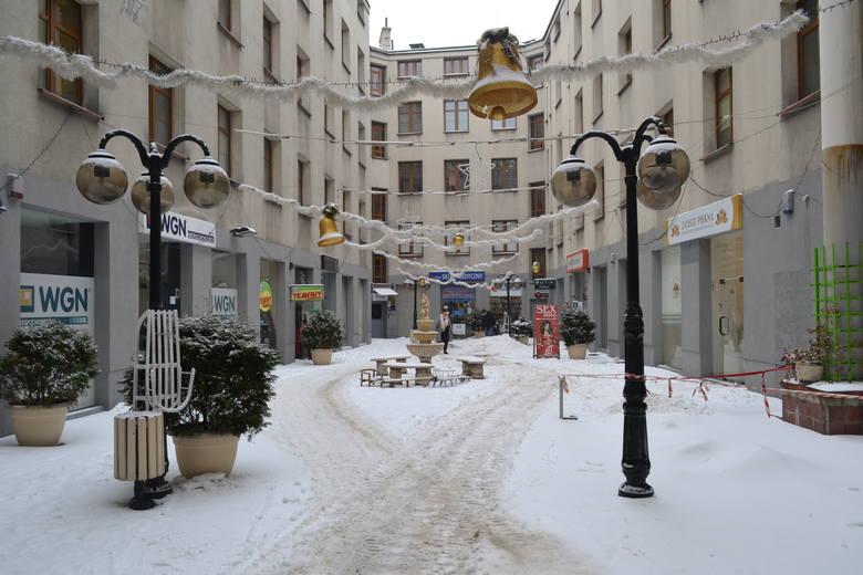 Sosnowiec zimą zdecydowanie zyskuje. Zobacz kolejne zdjęcia. Przesuwaj zdjęcia w prawo - naciśnij strzałkę lub przycisk NASTĘPNE
