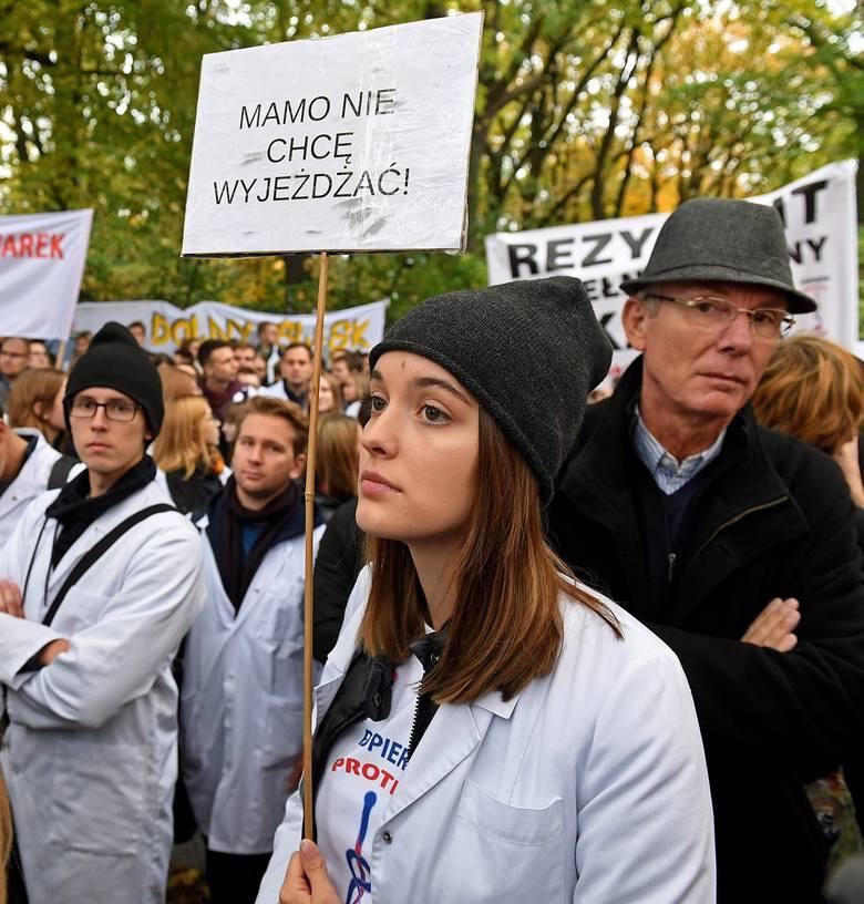 Pikieta lekarzy rezydentów w Warszawie