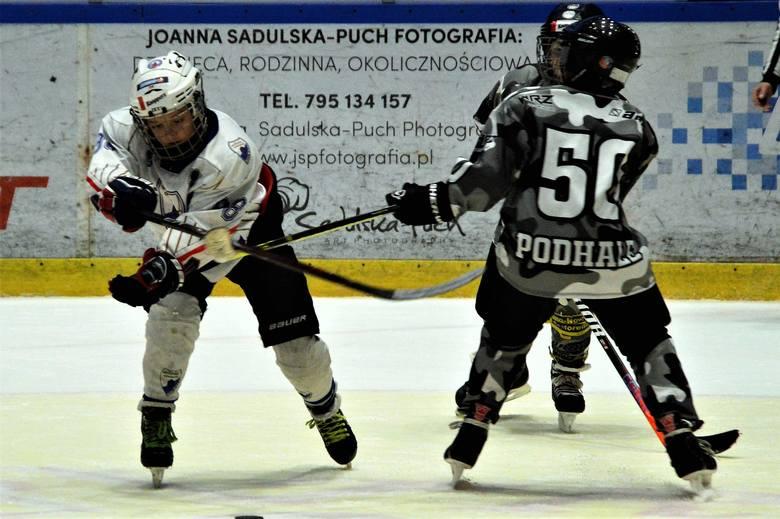 Minihokej. Podhale Nowy Targ wygrało w Oświęcimiu, ale Unia też zagra w Warszawie w finale Czerkawski Cup [ZDJĘCIA]