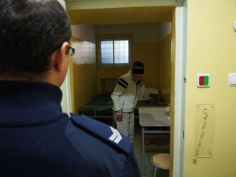 27 stycznia policjanci z Sulechowa zatrzymali kobietę, odpowiedzialną za kradzieże z mieszkań starszych osób.Z relacji osób poszkodowanych wynikało,