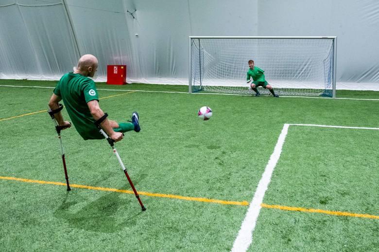 Na treningu nie ma odpuszczania i kości trzeszczą. Nic dziwnego, że zawodników nie omijają też kontuzje.