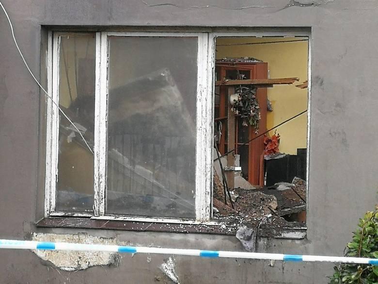 W nocy z poniedziałku na wtorek (9-10.09) zawalił się betonowy dach w budynku mieszkalnym przy ulicy Tarnowskiej w Toruniu. Tuż po północy pod płytą
