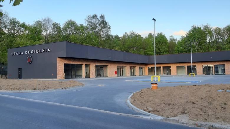 Stara Cegielnia - tak nazywa się nowy punkt handlowo-usługowy, który powstał przy ul. Kaszubskiej w Słupsku. Obiekt wybudowała Grupa Sierleccy. Punkt
