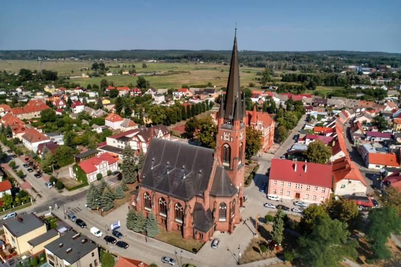 Zabytkowa wieża ciśnień, kościół Przemienienia Pańskiego, plac Wileński - te i inne perełki Drezdenka widać na zdjęciach Grzegorza Walkowskiego. Gorzowianin