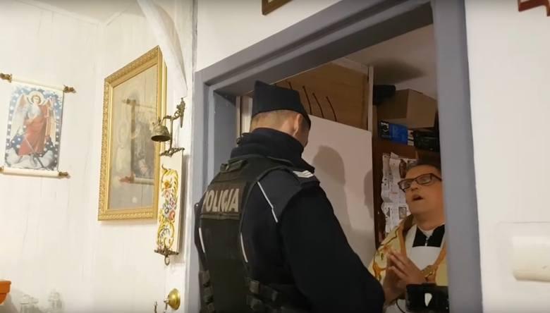 Policjanci w poniedziałek rano weszli do Domu Zakonnego Towarzystwa Salezjańskiego przy ul. Wronieckiej w Poznaniu. W jednej z sal odbywała się msza