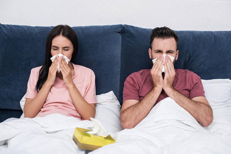 Często można się spotkać z błędnym przekonaniem, że katar leczony trwa 7 dni, a nieleczony tydzień. Zamiast się o tym przekonywać na własnej skórze,