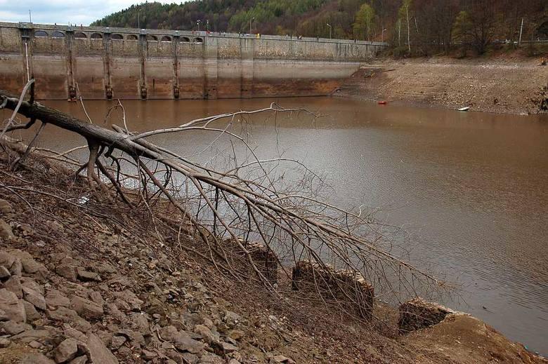 Zalew Bystrzycki przy znacznie obniżonym stanie wody - kwiecień 2016