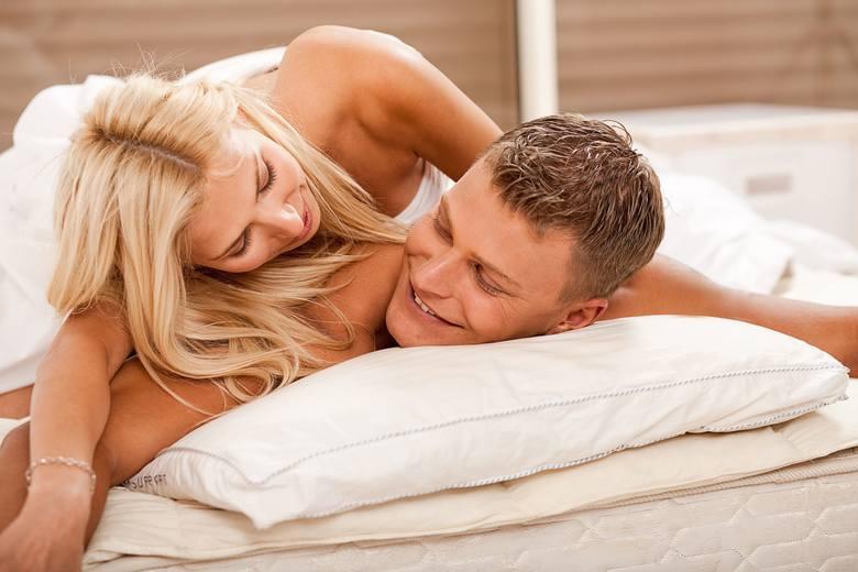 """Kto regularnie się kocha, rzadziej choruje. Jak czytamy w """"Psychological Reports"""", miłosne uniesienia 1-2 razy w tygodniu to optymalna ilość seksu, by"""