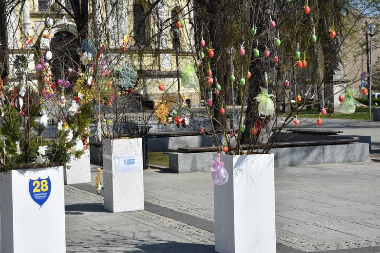 Ogród wielkanocny na placu Biegańskiego w Częstochowie