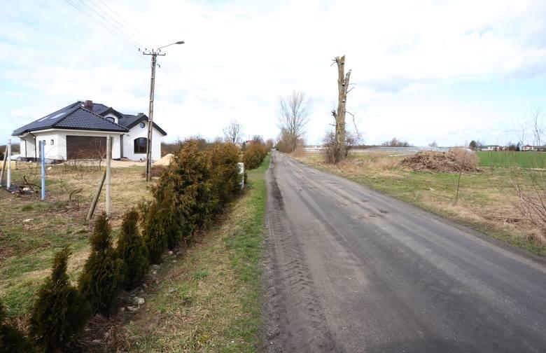 W tej chwili między Wolą Wrzeszczowską a Wolą Grabowską jest droga gruntowa, a będzie tu położony asfalt.