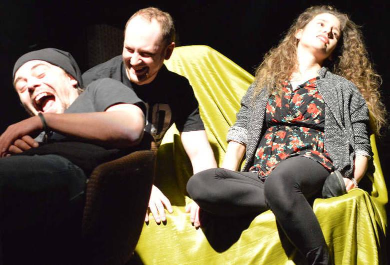 """Lubuski Teatr: premiera spektaklu """"Ja Ciebie też..."""" w dwóch obsadach! (wideo, zdjęcia)"""