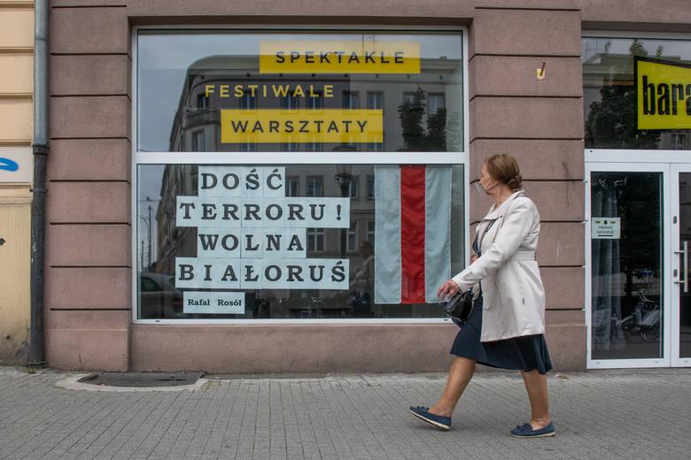 Poznaniacy przejawiają swoją solidarność z Białorusią na ulicach miasta. Stary Rynek, ul. Św. Marcin i ul. 27 Grudnia to tylko kilka punktów, które udało