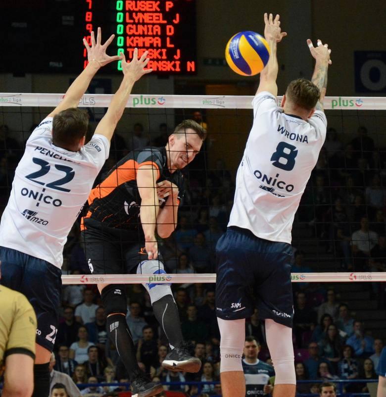 Rozstrzygający o wejściu do finału PlusLigi mecz trwał pięć zaciętych setów.