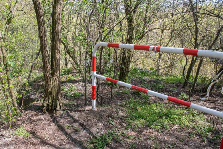 - Postawiono dodatkowo 45 metrów bieżących nowych barierek. To powinno zapewnić bezpieczeństwo w tym miejscu - mówi Paweł Łukaszewski, szef PINB.