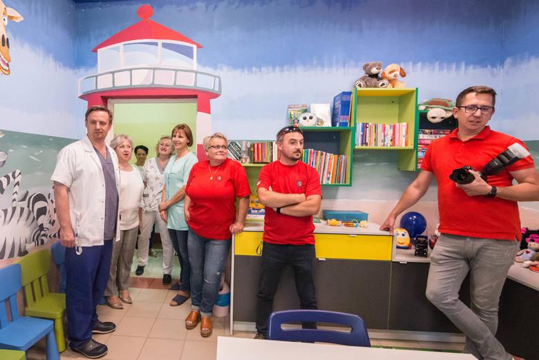 W czwartek, 11 lipca, oddano do użytku wyremontowaną świetlicę dla dzieci na oddziale pediatrycznym Szpitala św. Ducha w Rawie Mazowieckiej. Świetlica została wyremontowana i wyposażona dzięki ogromnej pomocy i osobistemu zaangażowanie w prace członków Stowarzyszenia Rawa i Przyjaciele. Remont...