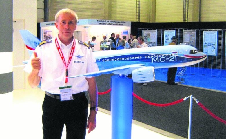 W zeszłym roku pan Bazyli był w Berlinie na pokazie rosyjskiego samolotu Irkut MC-21. - To konkurent  dla Airbusa 320 - podkreśla.