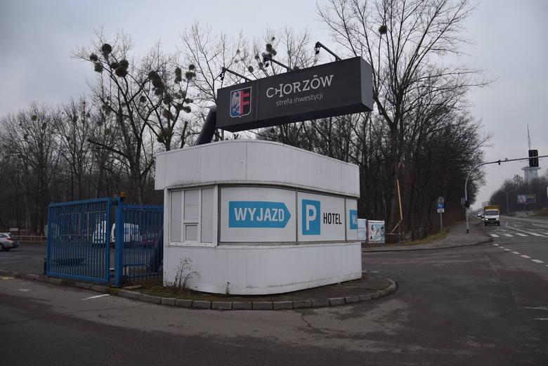 """""""Chorzów - strefa inwestycji"""" - taki napis wita przyjezdnych. To oksymoron, żadnych inwestycji nie widać"""