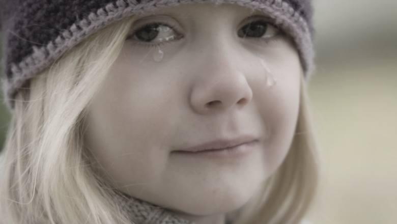 Tego powinni uczyć w szkołach! 10 zasad, które mogą uratować twoje dziecko przed pedofilem