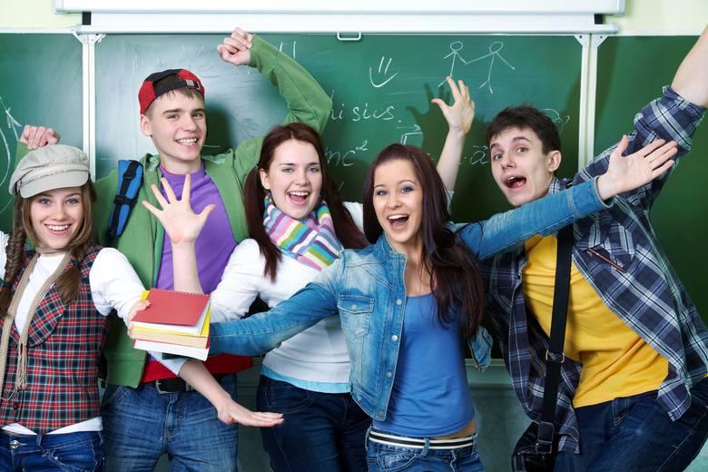 Przystąpienie do egzaminu jest warunkiem ukończenia gimnazjum, ale nie określa się minimalnego wyniku, jaki zdający powinien uzyskać, toteż egzaminu