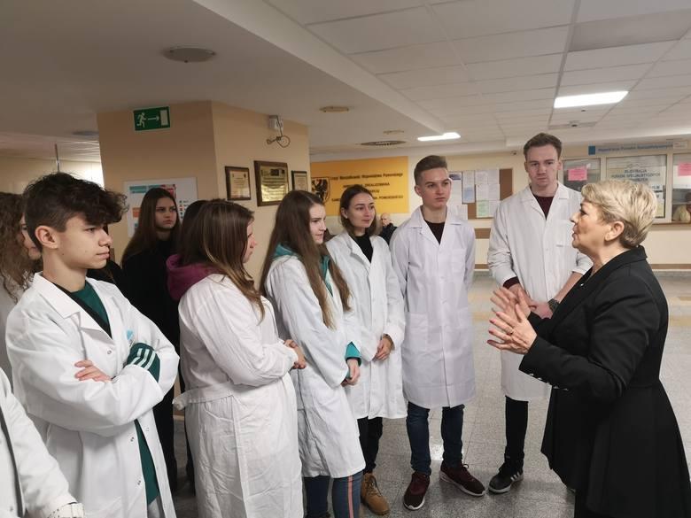 Uczniowie Medycznego Liceum Ogólnokształcącego przy Zespole Szkół Informatycznych w Słupsku odwiedzili Wojewódzki Szpital Specjalistyczny w Słupsku.