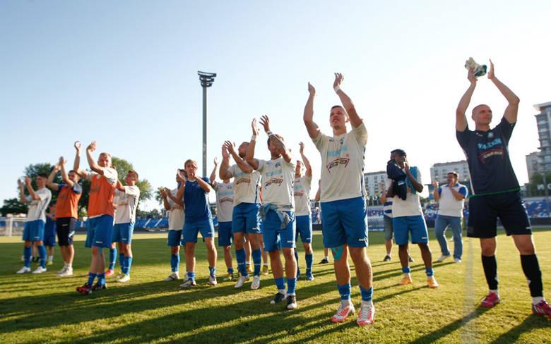 Stal Rzeszów na własnym stadionie pokonała Wisłokę Dębica 8:0.