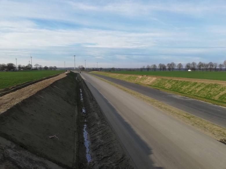 Zobaczcie najnowsze zdjęcia z prac prowadzonych przy budowie drogi S6 na odcinku Ustronie Morskie-Koszalin!Zobacz także Budowa obwodnicy Koszalina i